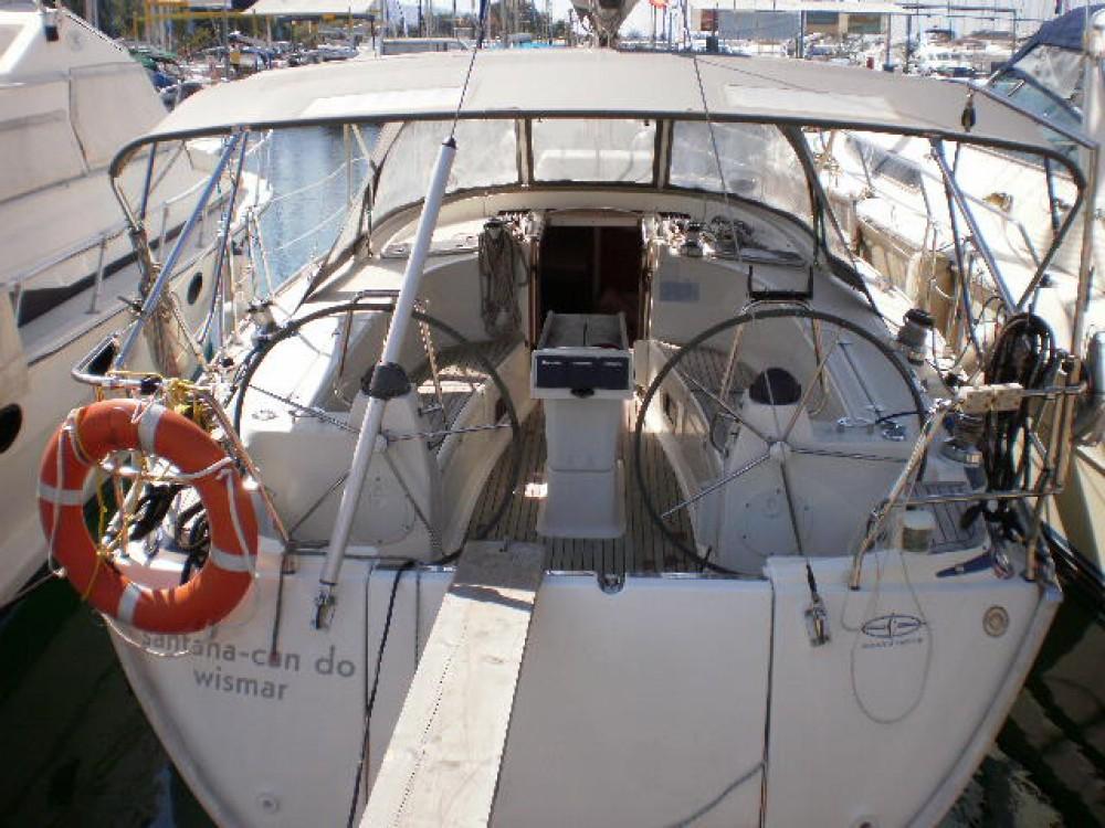 Boat rental Bavaria Bavaria 40 Cruiser in Akhíllio on Samboat