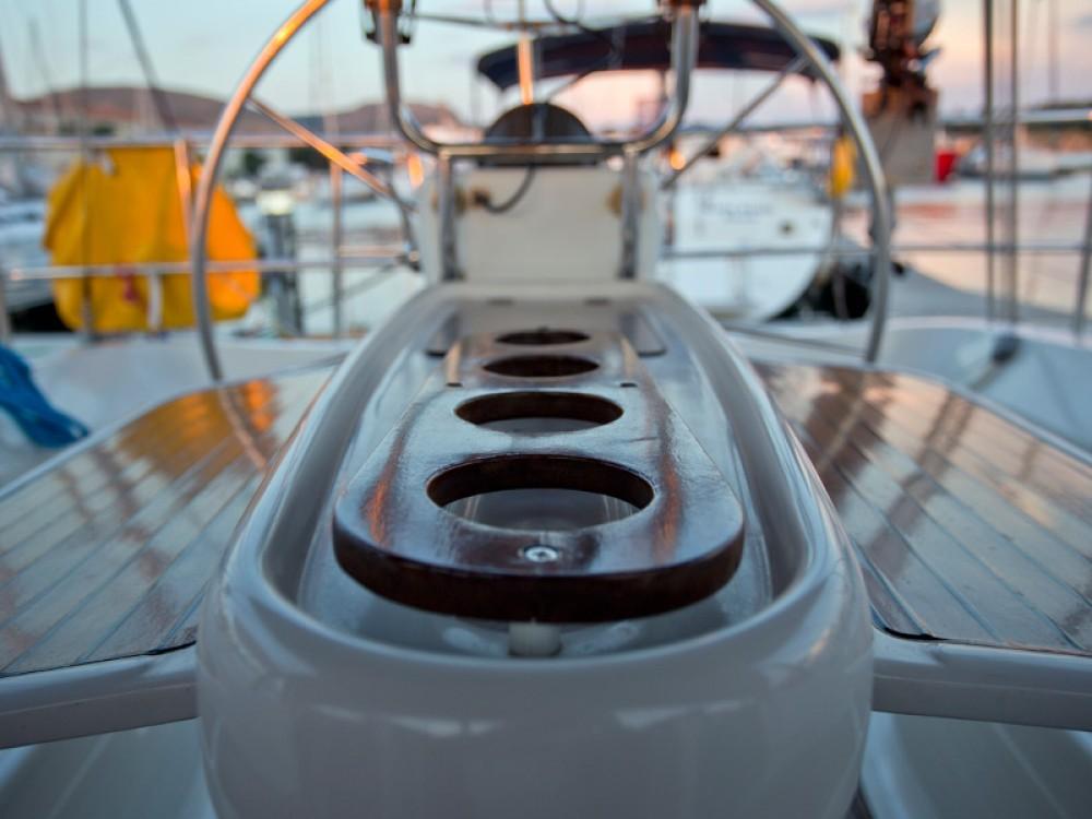 Boat rental  cheap Delphia 37