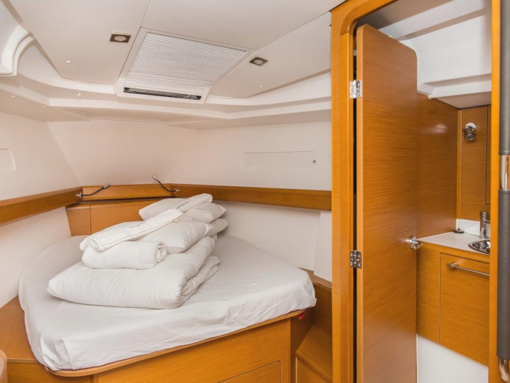 Boat rental Jeanneau Sun Odyssey 449 in Šibenik on Samboat