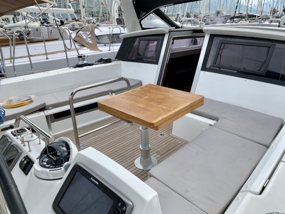 Boat rental Marina Kaštela cheap Sense 55