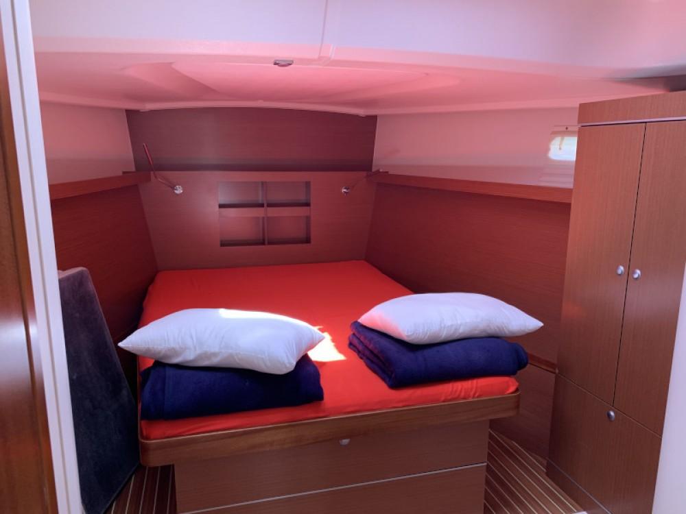 Rental yacht Marina Kaštela - Hanse Hanse 445/3 on SamBoat