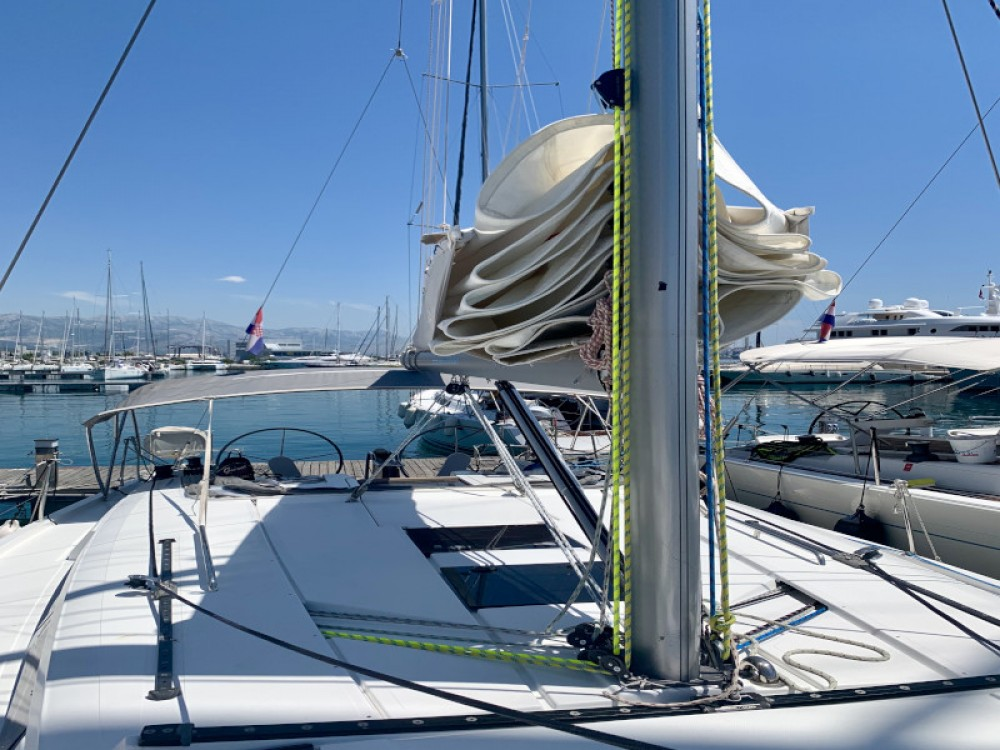 Rental yacht Kaštel Gomilica - Hanse Hanse 445/4 on SamBoat