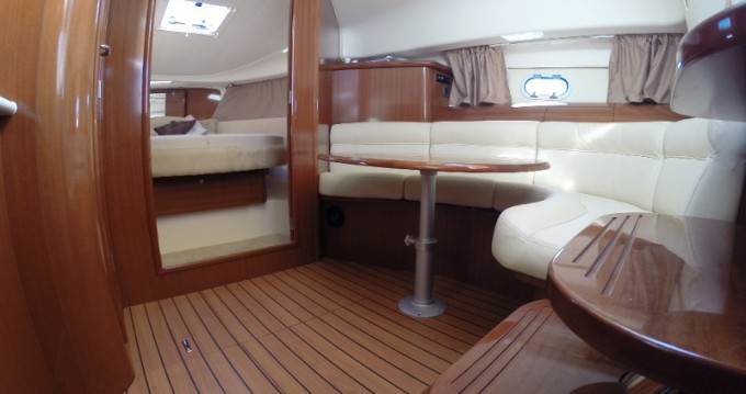 Hire Motorboat with or without skipper Jeanneau Sant Antoni de Portmany