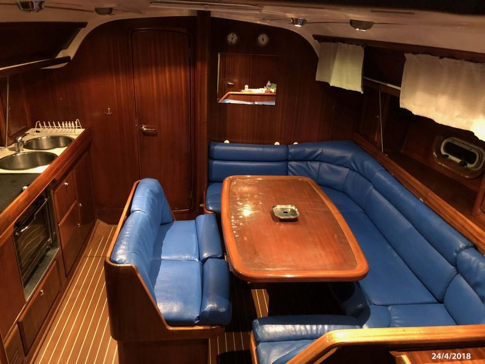 Boat rental Álimos cheap Bavaria 38