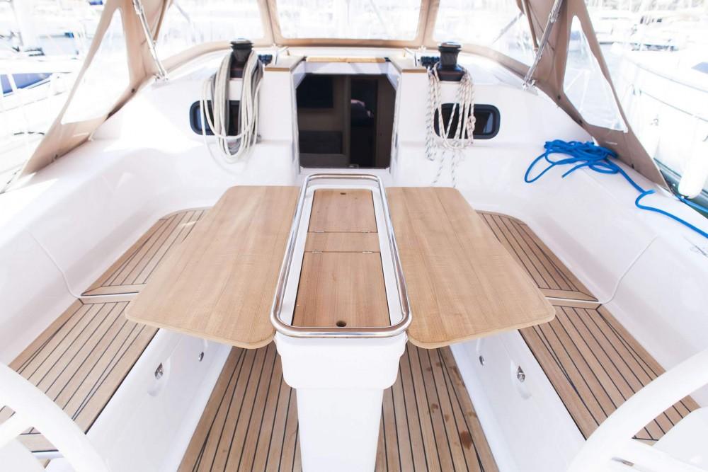 Boat rental Elan Elan 45 Impression in Sebenico on Samboat