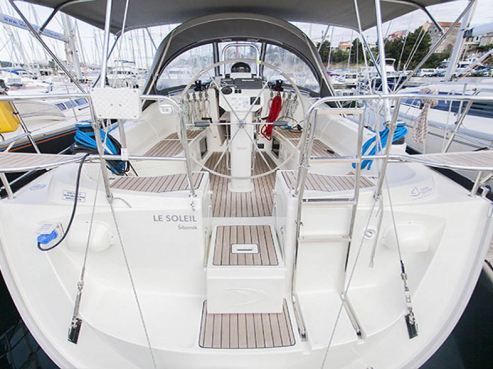 Rental yacht Šibenik - Delphia Delphia 37.3 on SamBoat