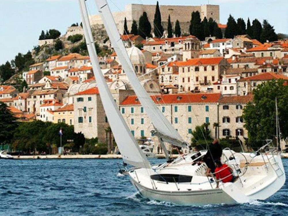 Boat rental  cheap Delphia 31