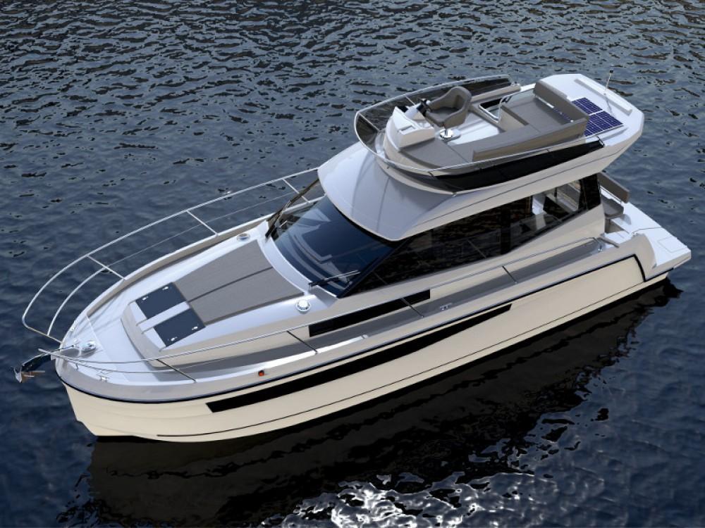 Rental Motorboat in  - Delphia Platinum 989