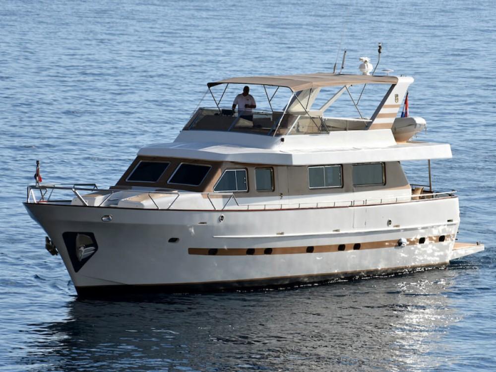 Boat rental Split cheap M/Y Blanka