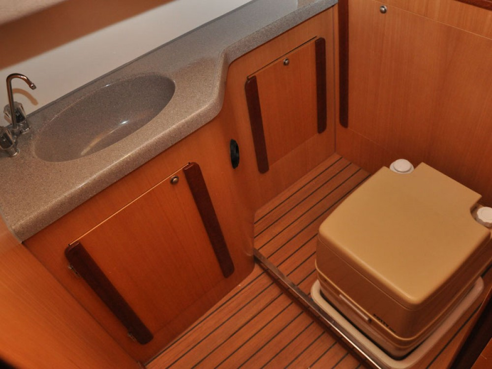 Boat rental Northman Nexus 850 in  on Samboat