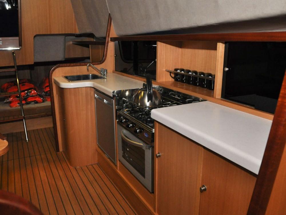 Boat rental  cheap Nexus 850