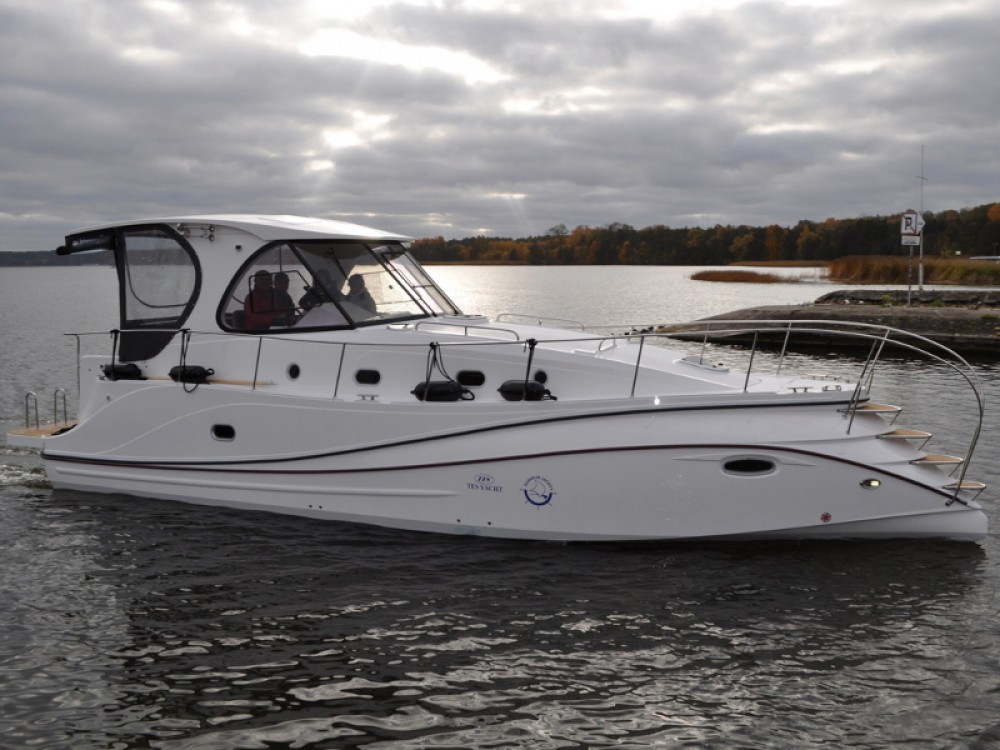 Rental Motorboat Tes with a permit