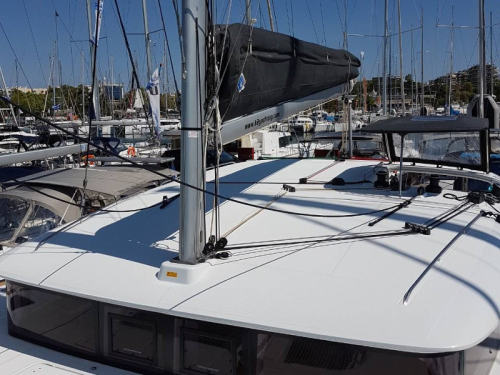 Lagoon Lagoon 400Lagoon 400 between personal and professional Alimos Marina