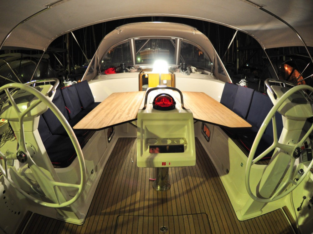 Rental yacht  - Bavaria Bavaria  42 Cruiser  on SamBoat