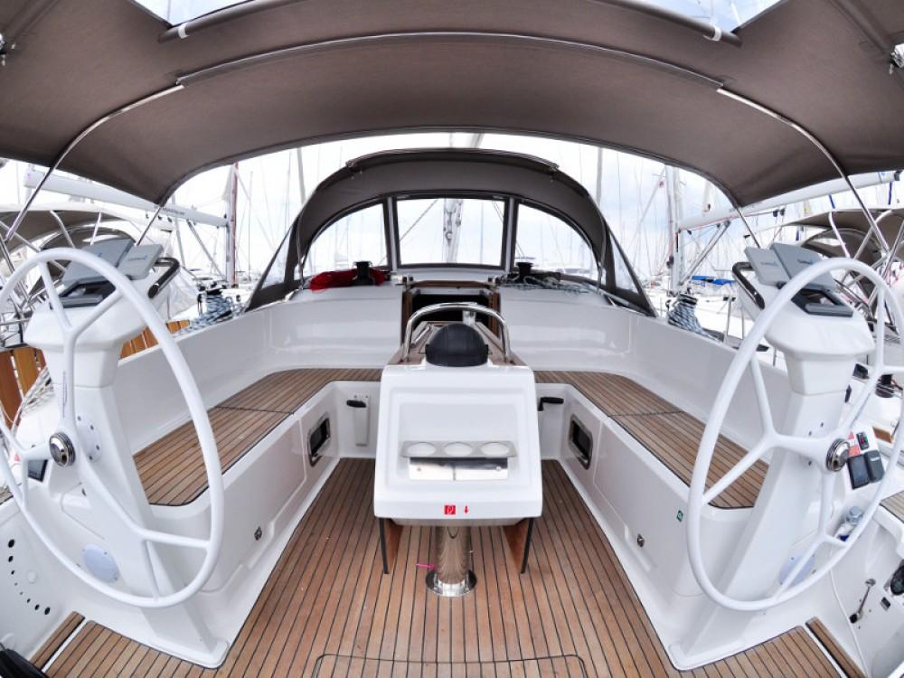 Rental Sailboat in  - Bavaria Bavaria  42 Cruiser