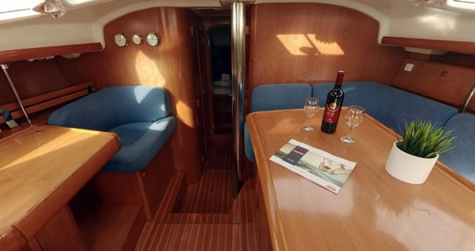 Jeanneau Sun Odyssey 43DS between personal and professional Betina