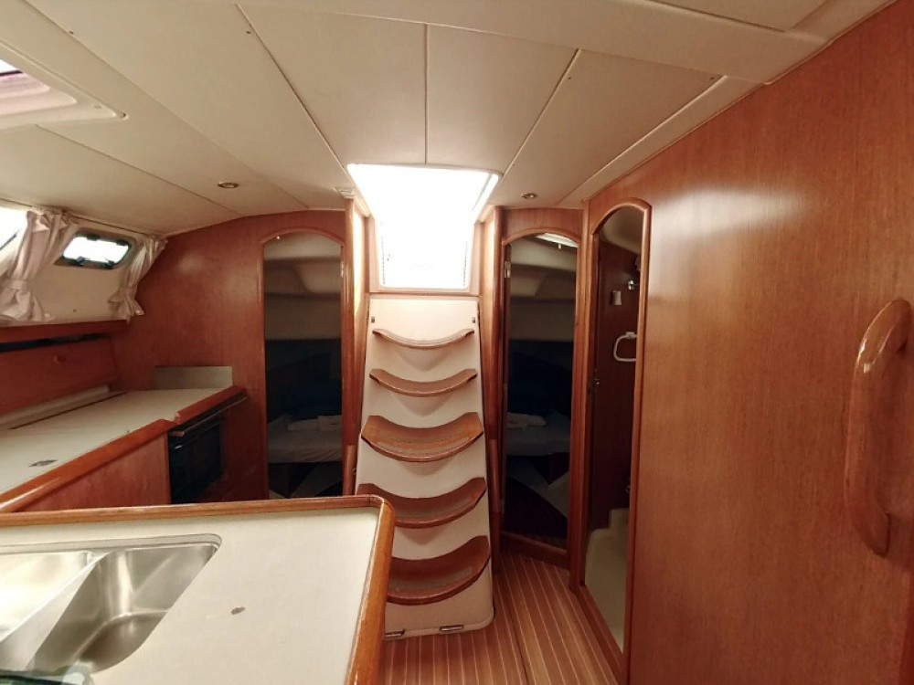 Rental yacht  - Jeanneau Sun Odyssey 43DS on SamBoat