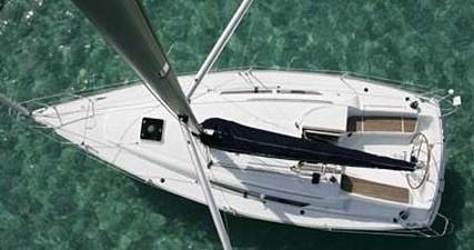 Rental Sailboat in Betina - Jeanneau Sun Odyssey 32i