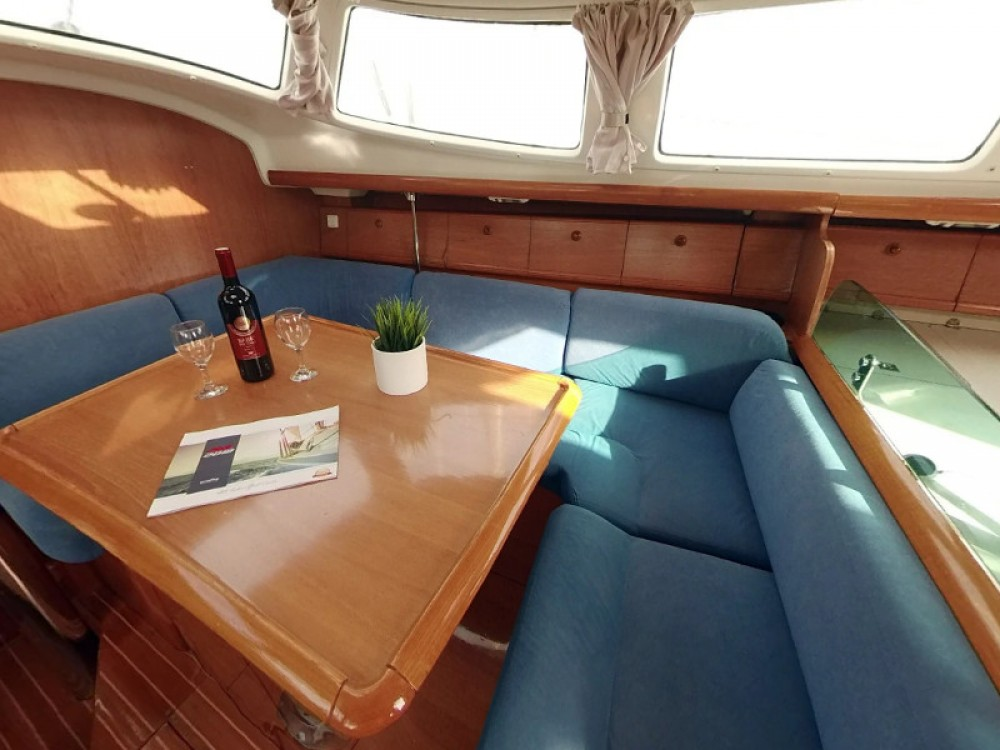 Boat rental Jeanneau Sun Odyssey 43DS in  on Samboat