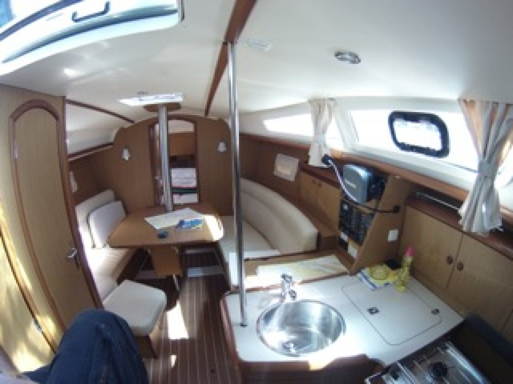 Boat rental  cheap Sun Odyssey 32i