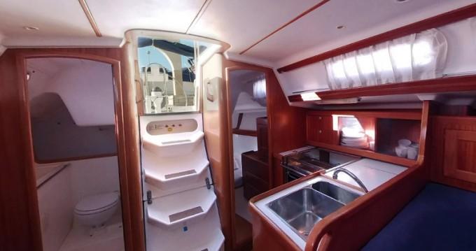 Rental yacht Betina - Elan Elan 333 on SamBoat