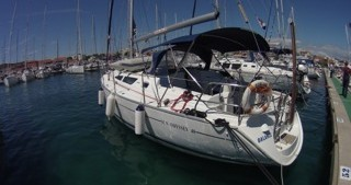 Rental yacht Betina - Jeanneau Sun Odyssey 40 on SamBoat