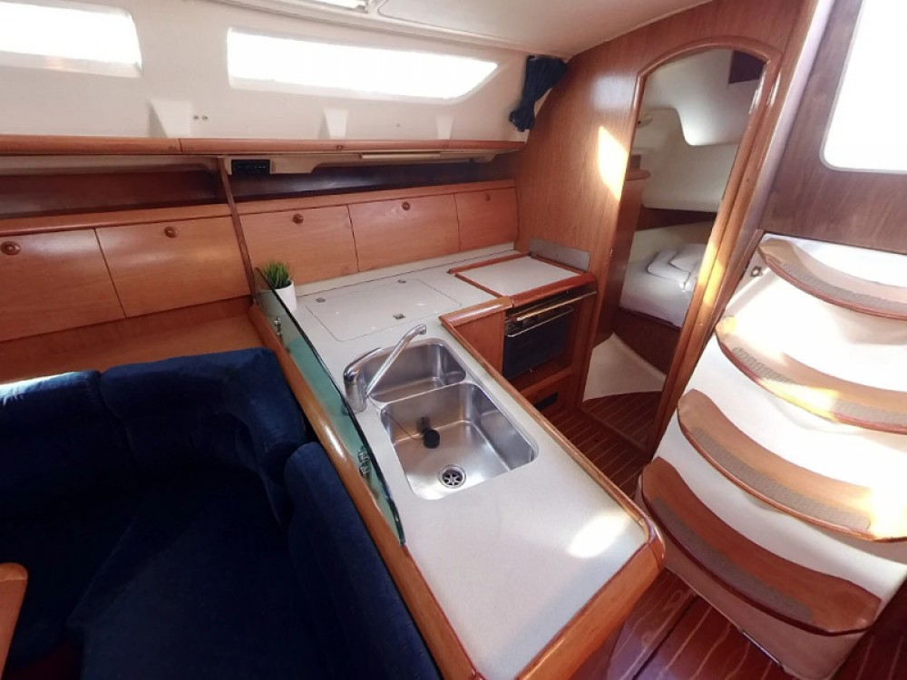 Jeanneau Sun Odyssey 40 between personal and professional Vodice