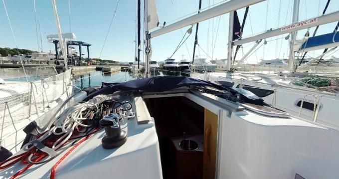 Boat rental Jeanneau Sun Odyssey 30i in Betina on Samboat