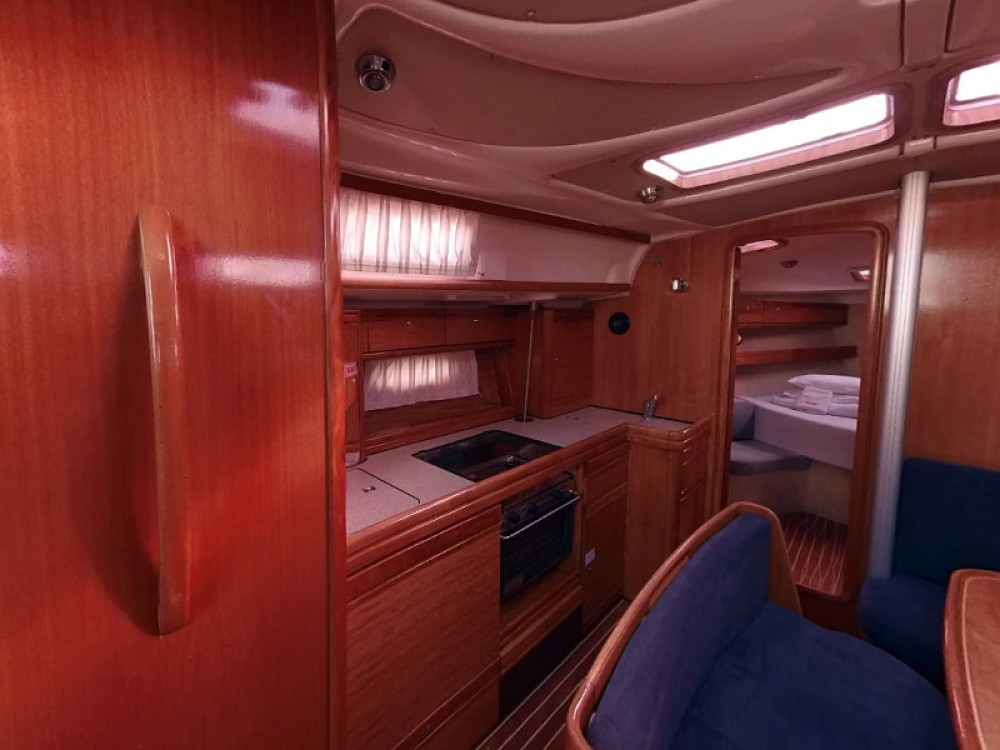 Rent a Bavaria Bavaria 39 Cruiser Vodice