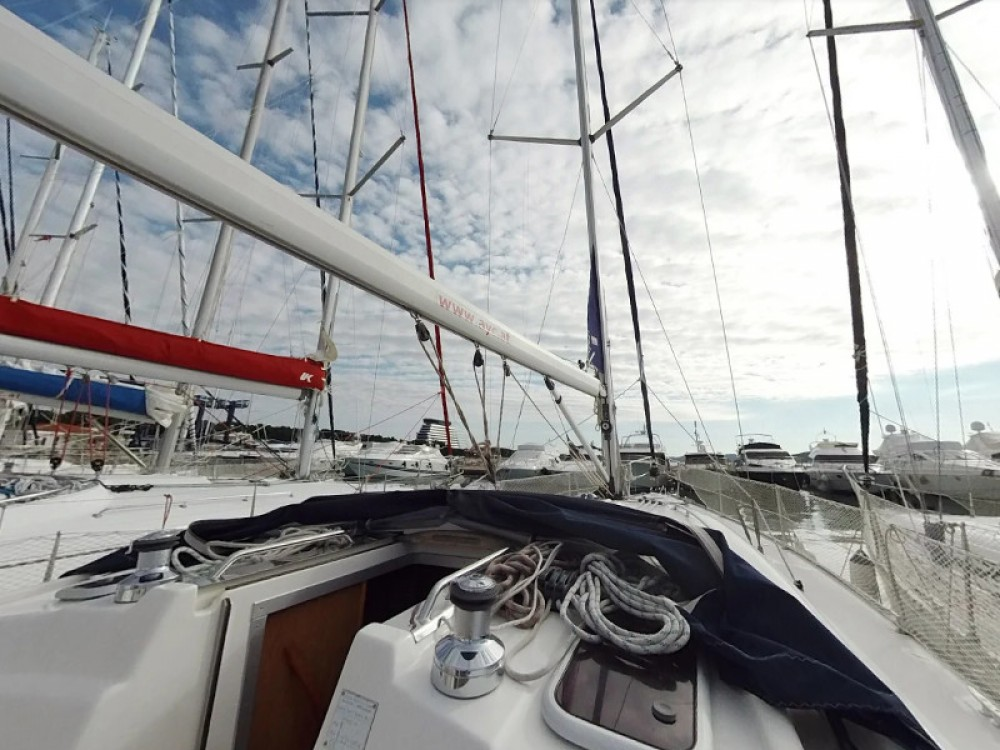 Hire Sailboat with or without skipper Bavaria Vodice