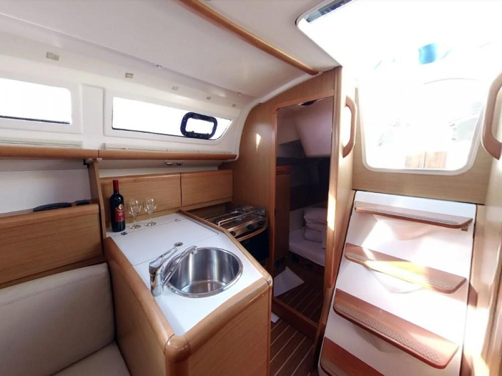 Boat rental Jeanneau Sun Odyssey 30i in  on Samboat