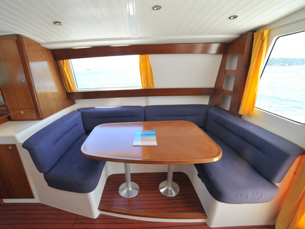 Hire Motor boat with or without skipper Fountaine Pajot Olbia