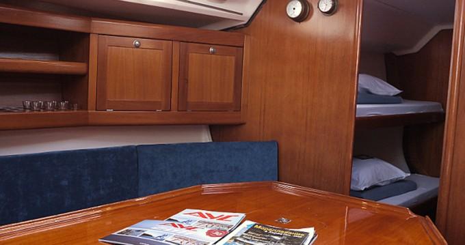 Rental yacht Betina - Elan Elan 431 on SamBoat