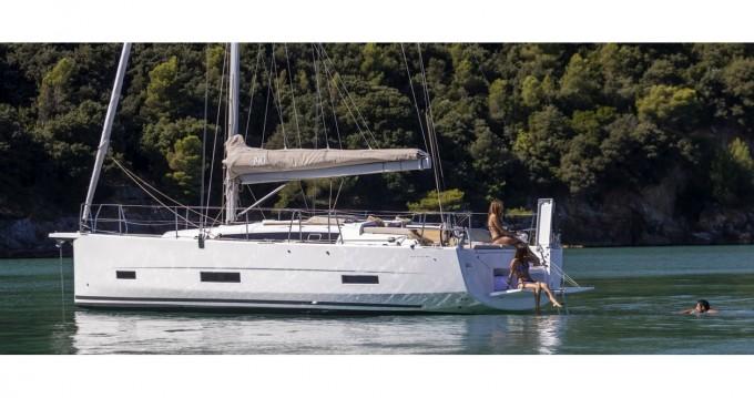 Boat rental Dufour Dufour 390 Grand Large in Marina di Portisco on Samboat