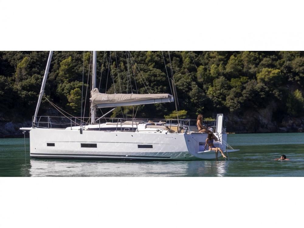 Rental yacht Marina di Portisco - Dufour Dufour 390 Grand Large on SamBoat