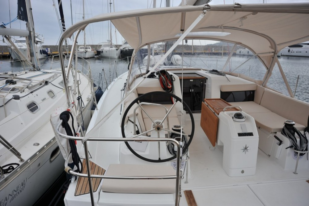 Rental Sailboat in Olbia - Jeanneau Sun Odyssey 440