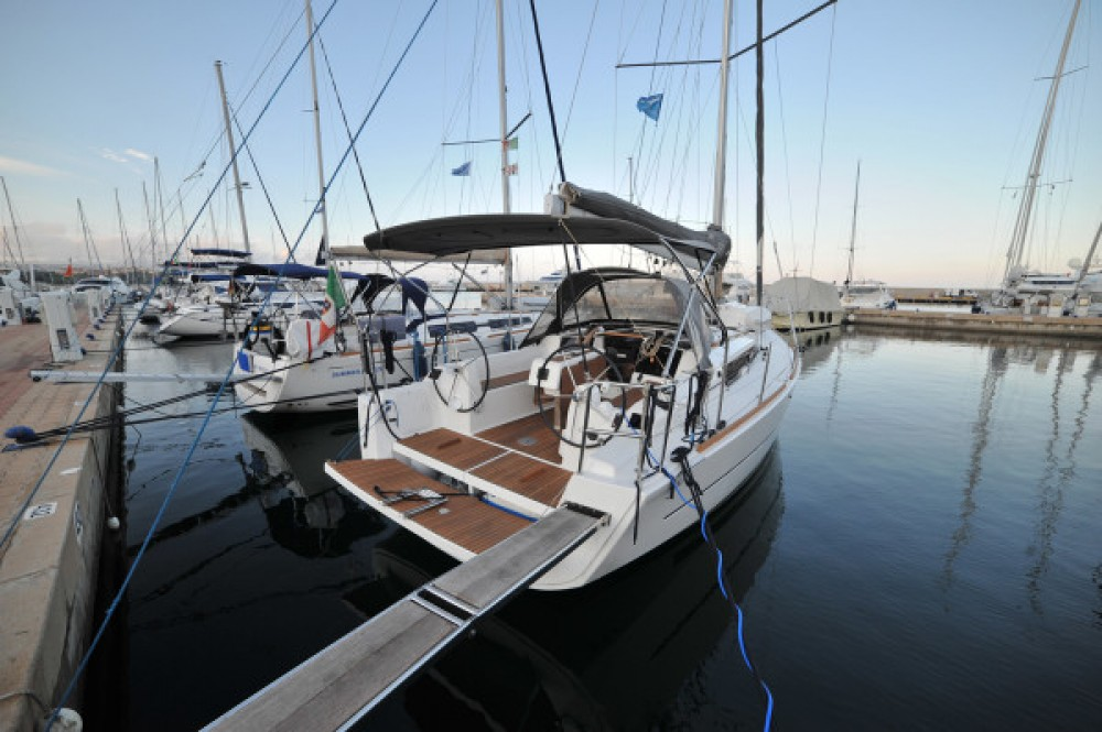 Boat rental Dufour Dufour 350 Grand Large in Olbia on Samboat
