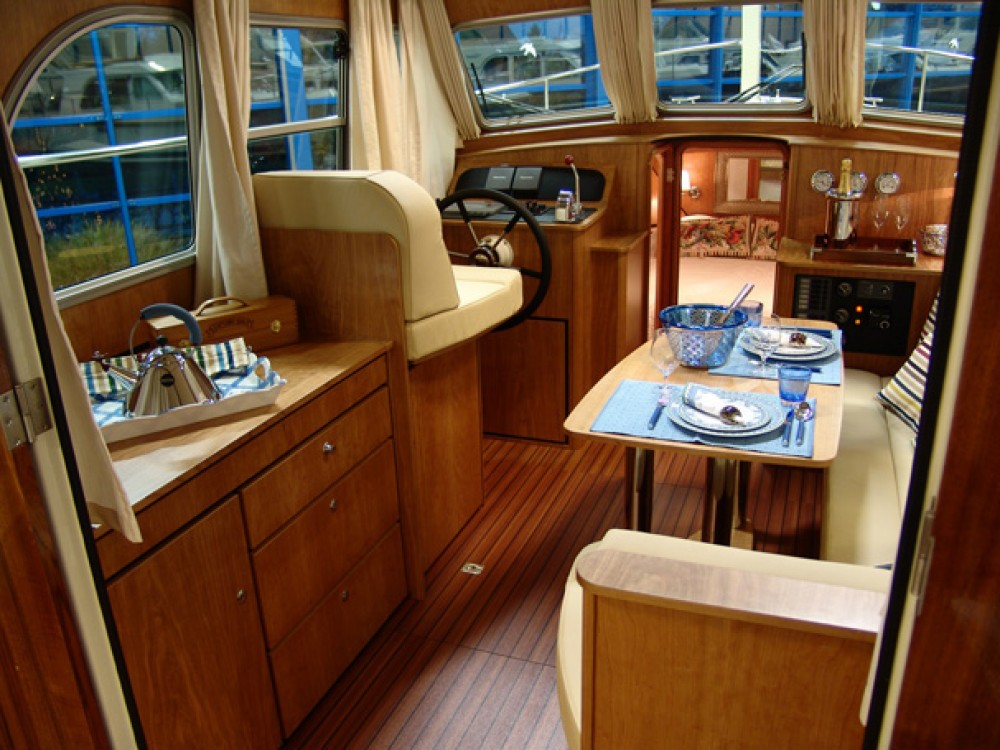 Rental yacht Capestang - Linssen Linssen Grand Sturdy 29.9 Sedan on SamBoat