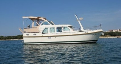 Motorboat for rent Tonnerre at the best price