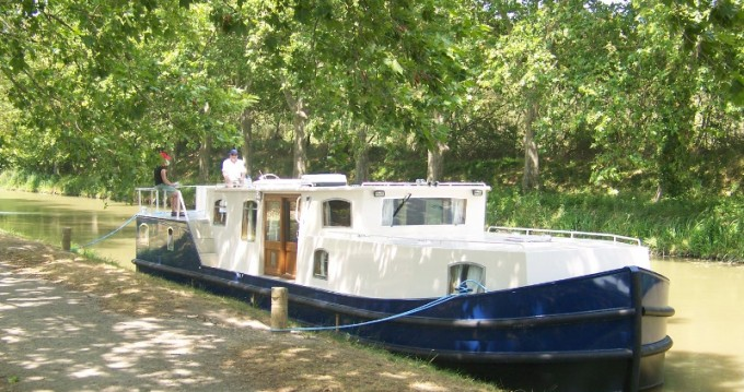 Hire Motorboat with or without skipper  Capestang
