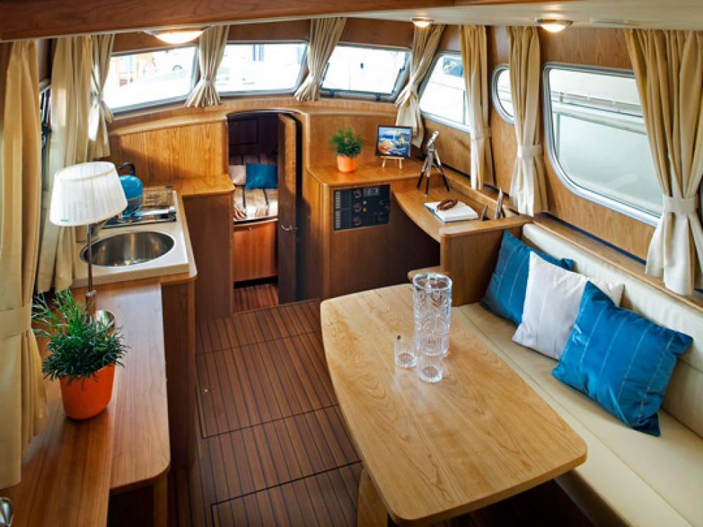 Hire Motor boat with or without skipper Linssen Tonnerre