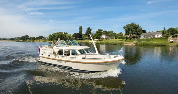 Linssen Linssen Grand Sturdy 35.0 AC between personal and professional Capestang