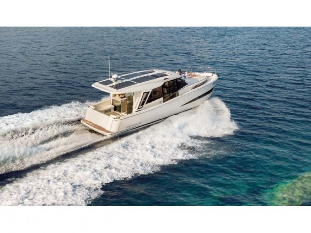 Motor boat for rent Palma at the best price