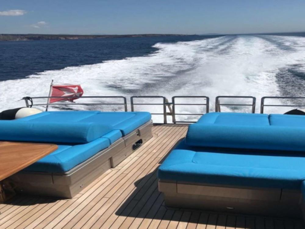 Boat rental Princess Princess V70 in Palma on Samboat