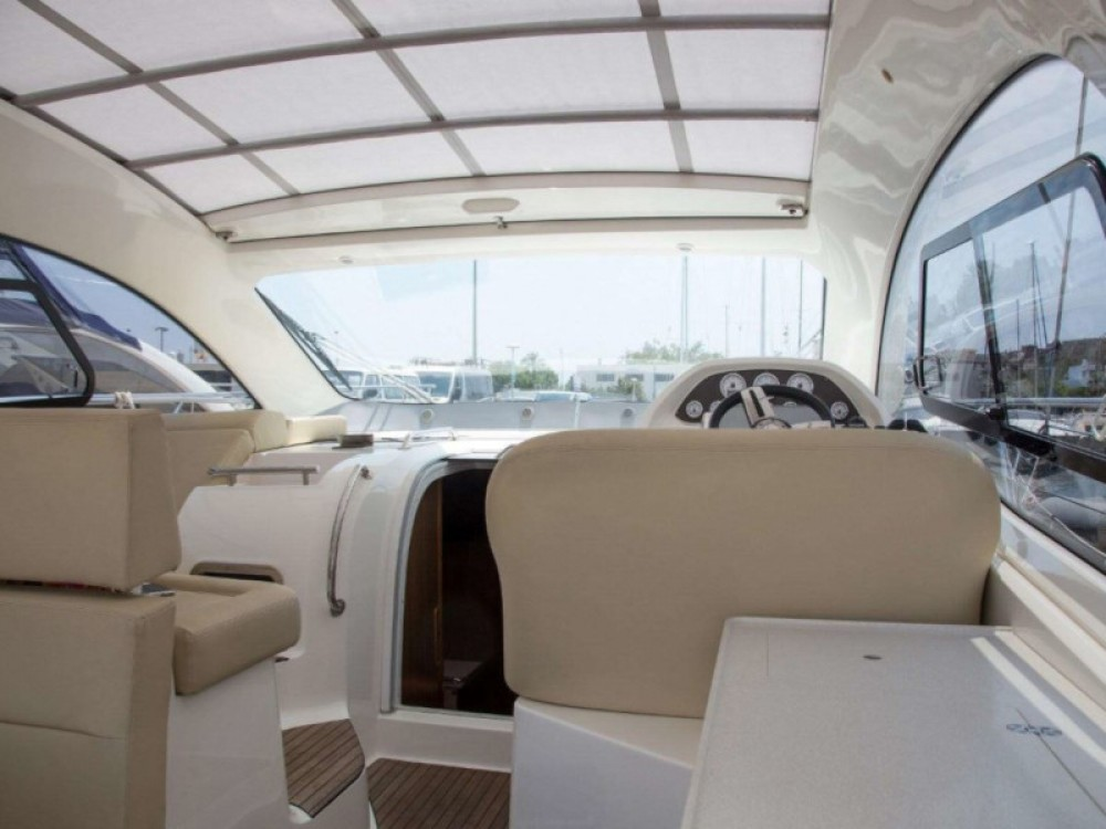 Boat rental Bavaria Bavaria Sport 43 HT in  on Samboat