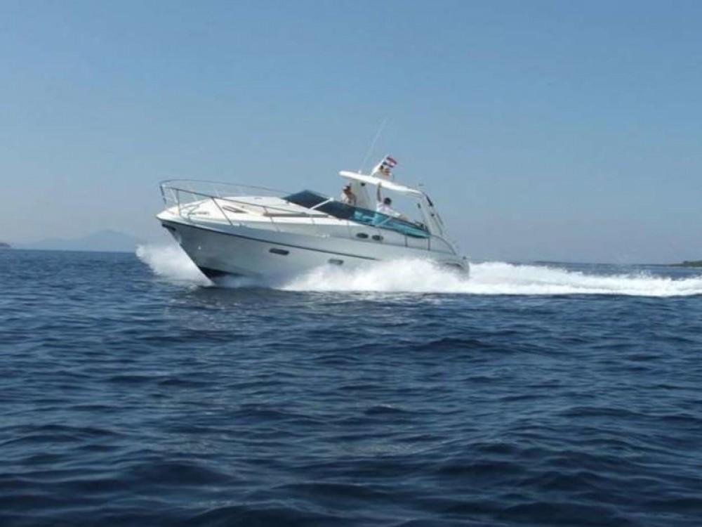 Rental yacht Palma - Sealine Sealine SC 38 on SamBoat