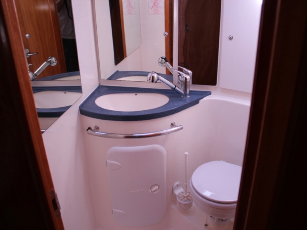 Rental Sailboat in Fezzano - Bavaria Bavaria 46 Cruiser