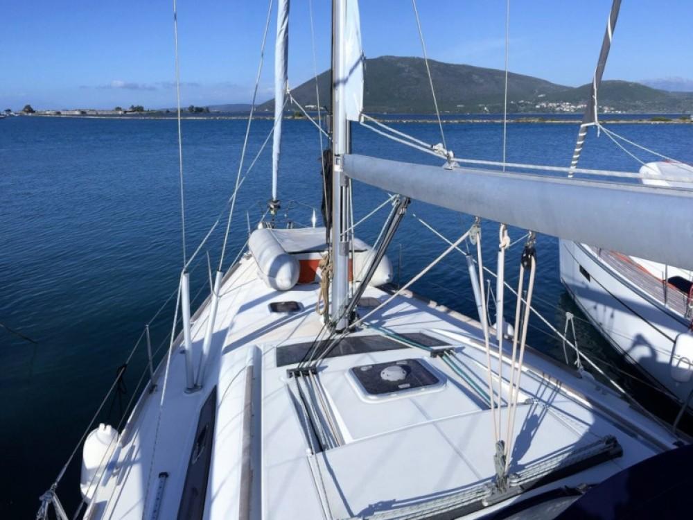 Boat rental Bénéteau Oceanis 43 in Kontokali on Samboat