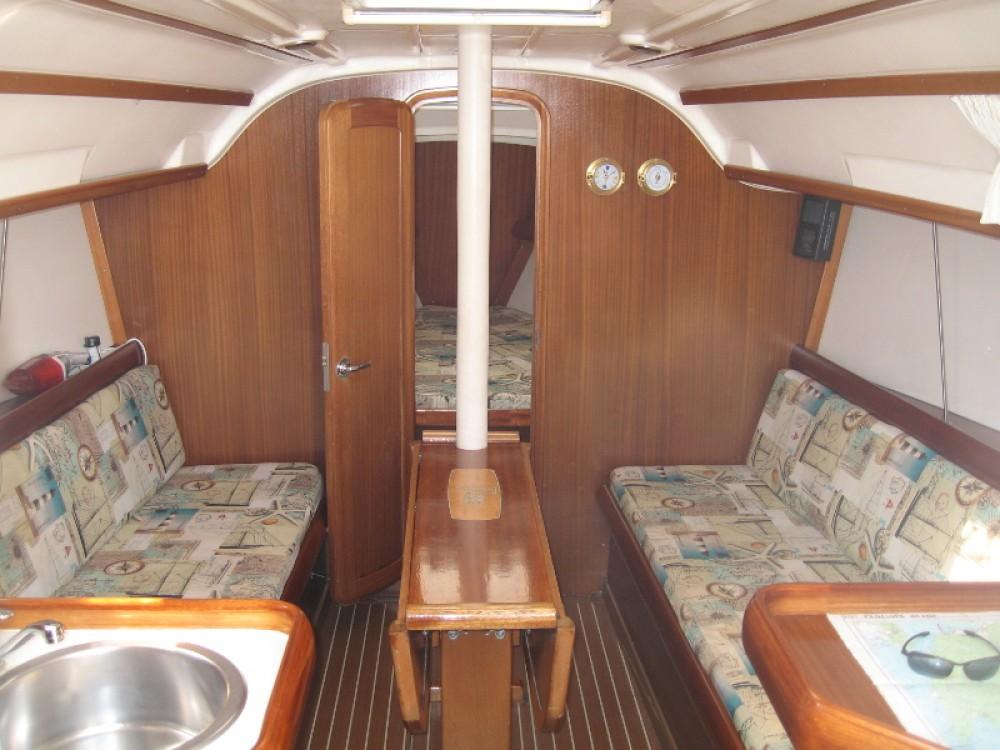 Boat rental Bavaria Bavaria 32 in Lefkada on Samboat