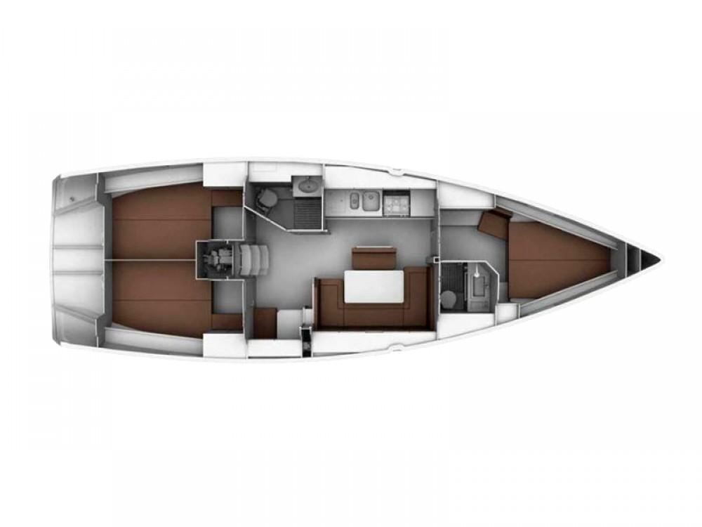 Bavaria Bavaria Cruiser 40 between personal and professional Lefkada